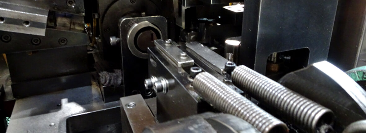 京浜発條株式会社の設備機械